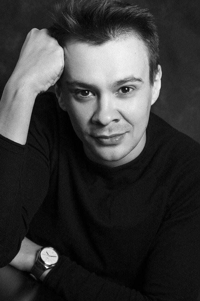 Максим Перов