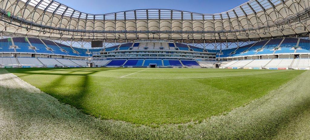 Футбольное поле стадиона Волгоград Арена. Панорамная фотография